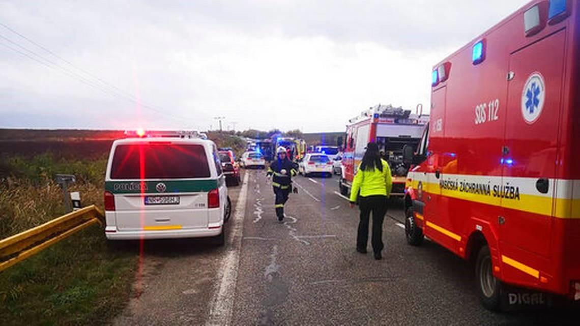 Autobusi me nxënës përplaset me kamionin, 12 të vdekur