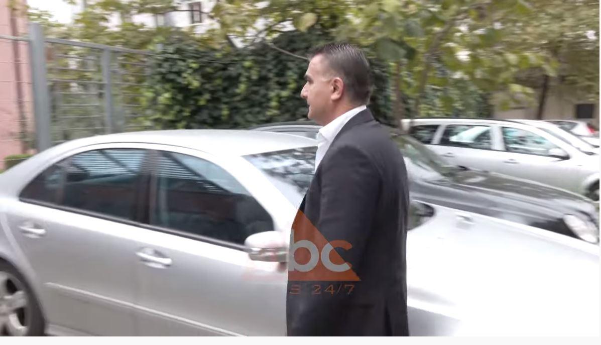 """""""Rana e hedhun"""", shtyhet seanca për ish-deputetin Arben Ndoka dhe 12 të tjerë"""