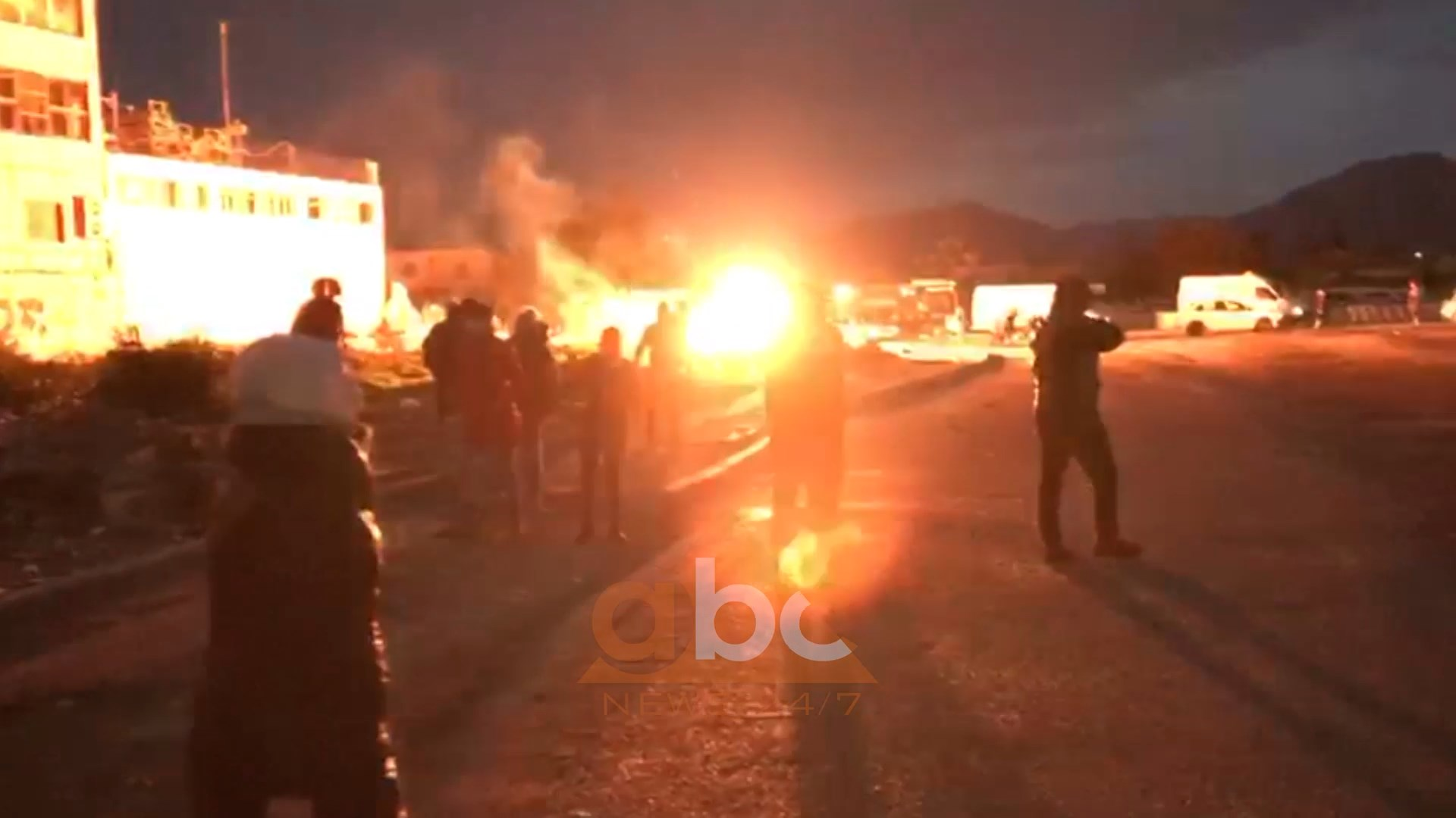 Chaos in the Astir area: Clashes between residents and the police