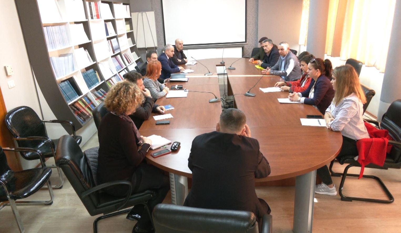 Avokati i Popullit takim me banorët e Astirit, kërkesë Kuvendit për situatën e Unazës së Re