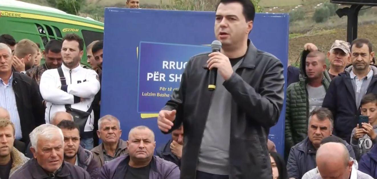 Basha para fermerëve në Divjakë: Kam zgjedhur të shikoj krizën në sytë tuaj