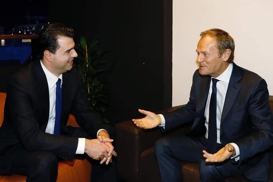 Basha takon Donald Tusk: Do luftojmë fort për të merituar hapjen e negociatave