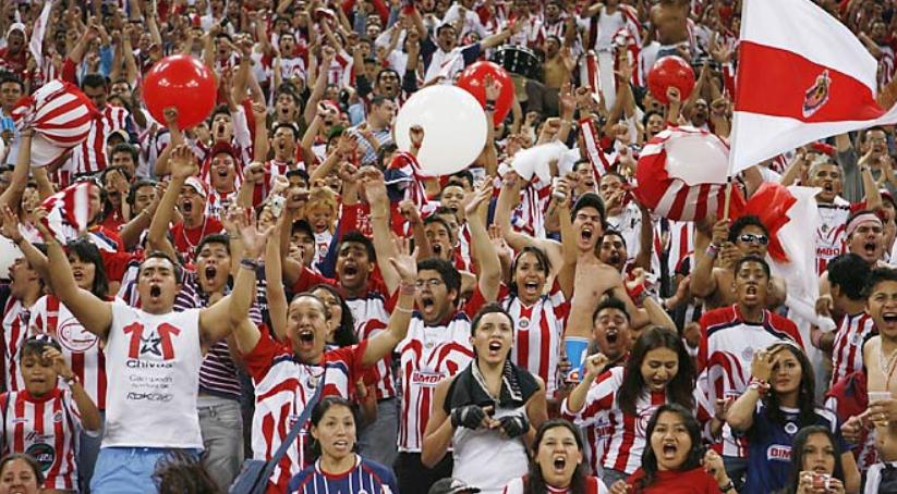 VIDEO | Gol i rrallë në Meksikë, portieri i Chivas i mahnit të gjithë