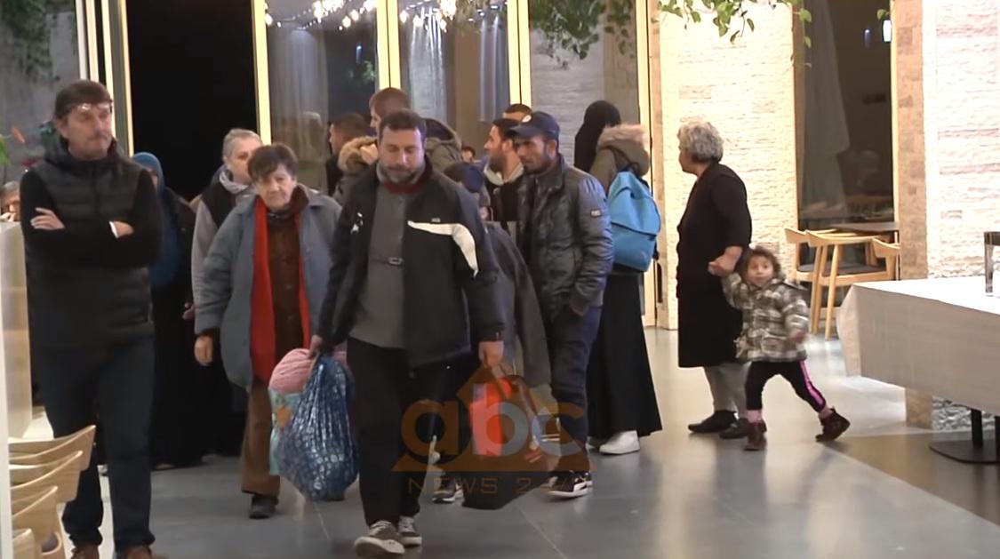 VIDEO/ Durrsakët mësyjnë Vlorën pas tmerrit nga tërmeti