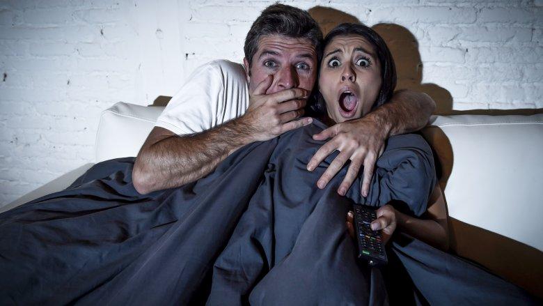 Çfarë ndodh me trupin tuaj kur shikoni një film horror?