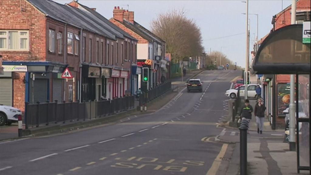 Misteri në fshatin anglez ,prej 5 vitesh gjenden para në rrugë