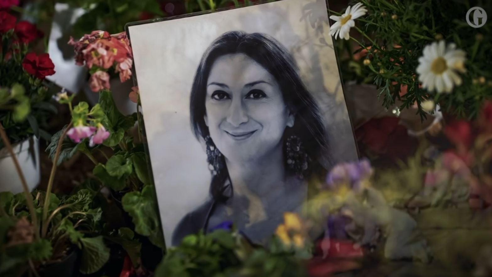 Vranë gazetaren me bombën që porositën në Shqipëri?