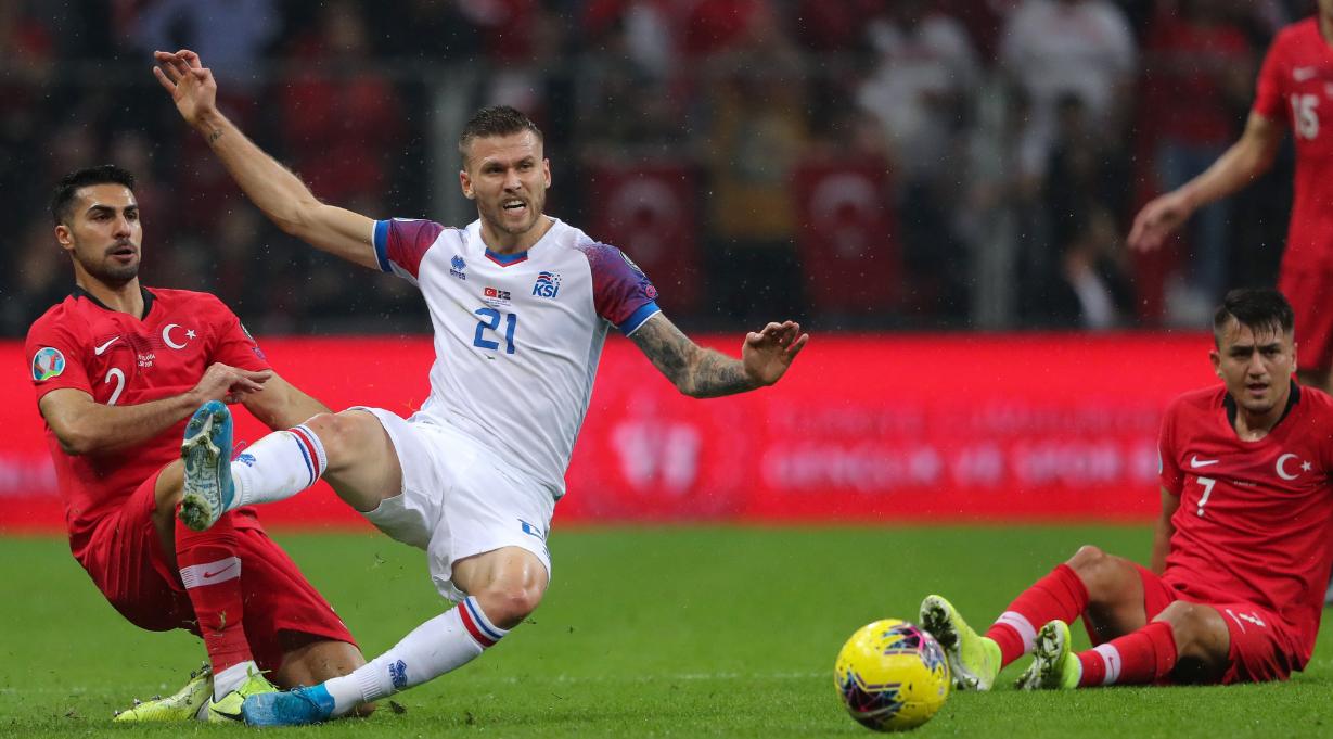 Islanda nuk ia del në Turqi, barazimi kualifikon dy kombëtare