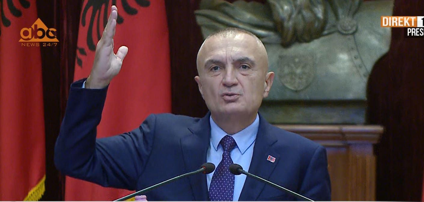 """""""Nuk do të iki nga sheshi"""" Meta: Në 8 dhjetor vetëm me flamuj kombëtar"""