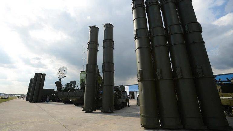 Serbia sfidon Perëndimin me raketat ruse