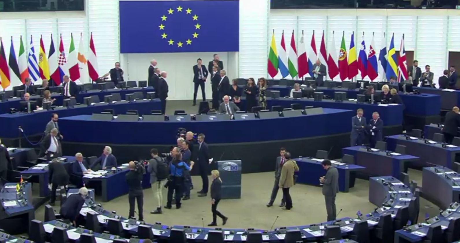 Debat në Parlamentin Europian: Metodologjia e re të konkretizohet me hapjen e negociatave