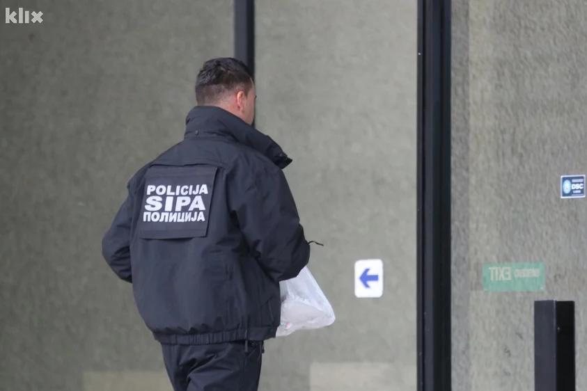 Akuza për trukime, tetë gjyqtarë të arrestuar në Bosnje