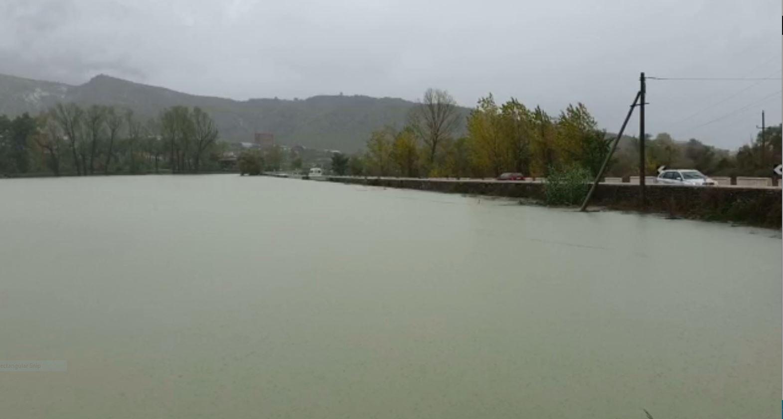 Reshjet e shiut, probleme në Gjirokastër, Durrës dhe Vlorë