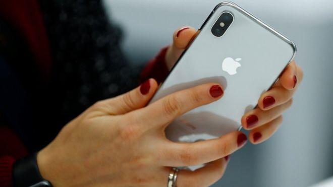 Rusia ndalon shitjen e smartphonëve, kjo është arsyeja