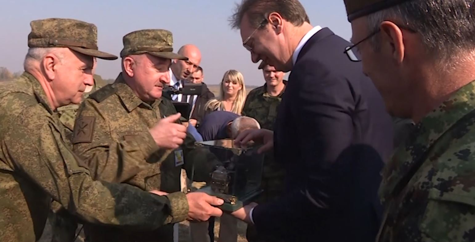 Zyrtari i lartë amerikan për sanksionet Thomas Zarzecki mbërrin në Serbi, takohet me Daçiç