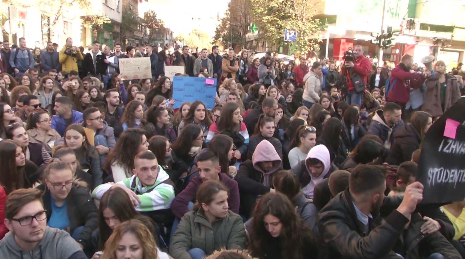 """""""Pakti për Universitetin"""", studentët të pakënaqur me qeverinë"""