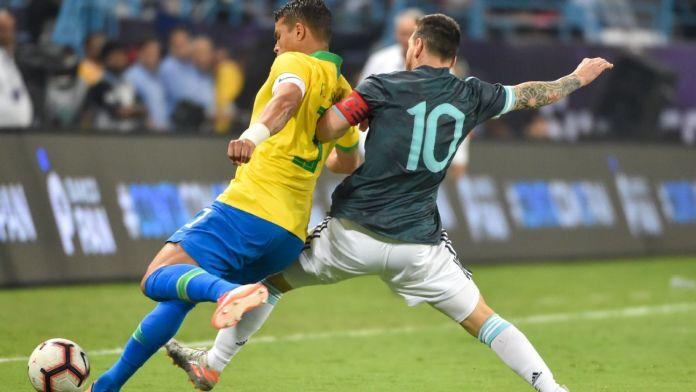 Messi nën akuzë, Thiago Silva nuk duron: E papranueshme ajo që bëri