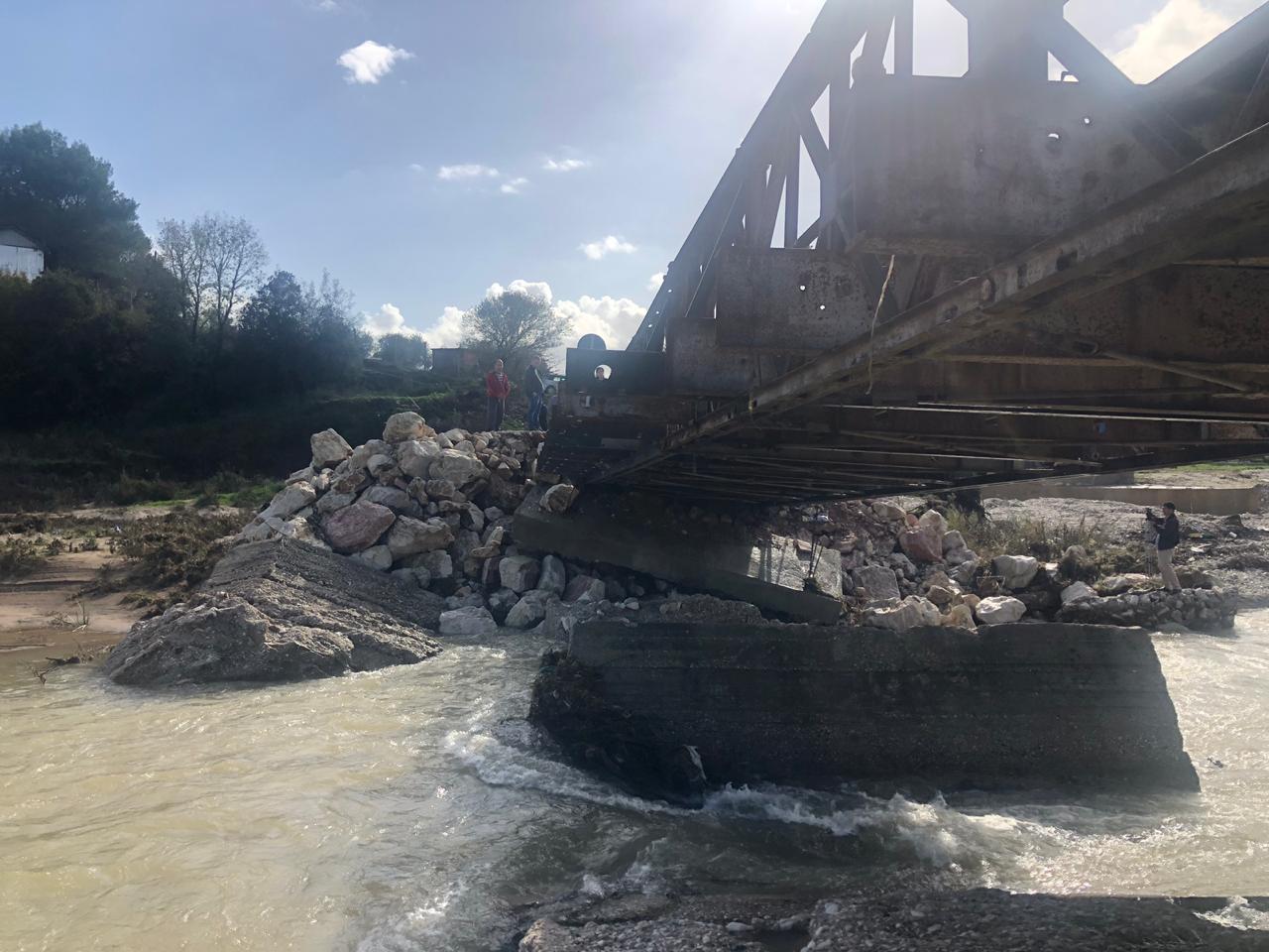 Ministria e Mbrojtjes: Forcat e Armatosura do ndërtojnë urën e Vanës, për 5 ditë