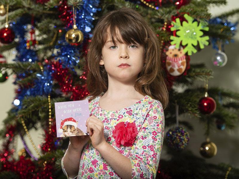 Kartolinë e pazakontë për Krishtlindje, 6 vjeçarja zbulon mesazhin shokues të të burgosurve