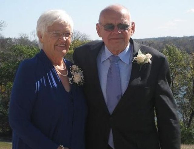 Çifti vdes paqësisht me një ditë diferencë