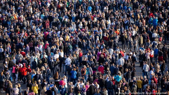 Si po ndryshon rritja e popullsisë, sa milionë na gjen fundi i vitit. Me ritme të larta po shtohet …
