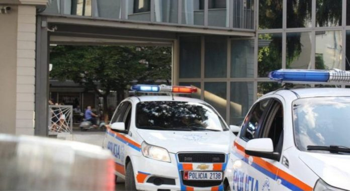 Procedohet penalisht shefja e financës së Ujësjellësit në Elbasan, abuzoi me detyrën