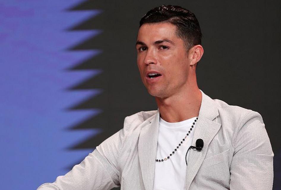 FOTO | Unaza 650 mijë euro e Ronaldos, sa shumë polemika në rrjet