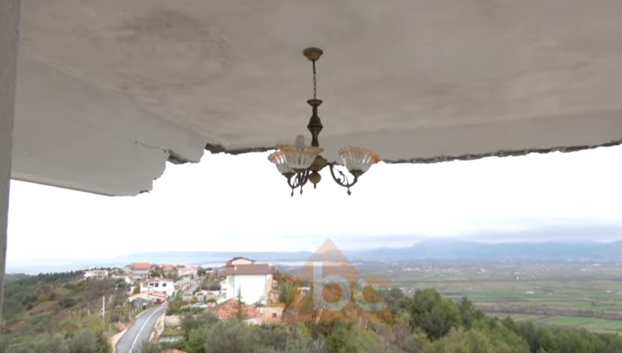 VIDEO/ Tavani në ajër, dyshemeja në humnerë: Si shpëtuan dy të moshuarit në Ishëm