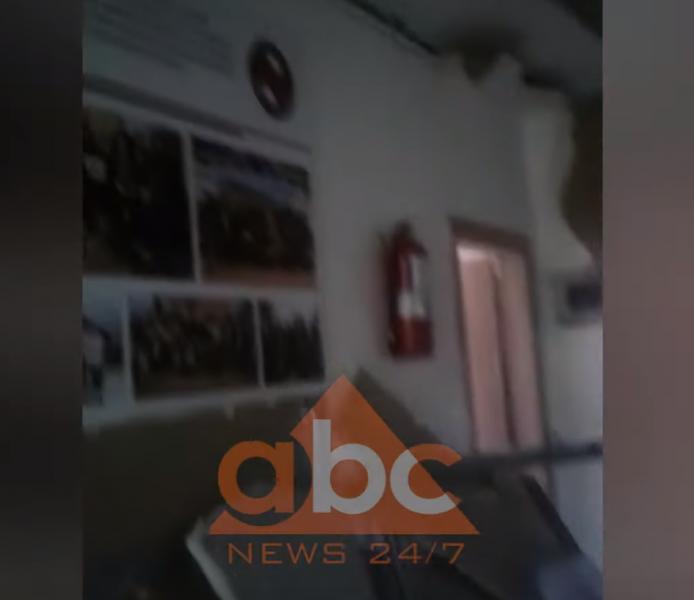 """U dëmtua nga termeti, vendoset shiriti i sigurisë në gjimnazin """"Sami Frashëri"""""""
