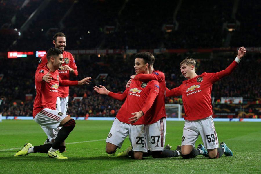Europa League/ United e mbyll me spektakël, ja 32 skuadrat e kualifikuara