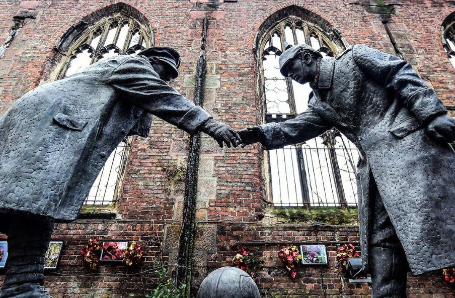 105 vite më parë, kur futbolli ndalonte Luftën Botërore!