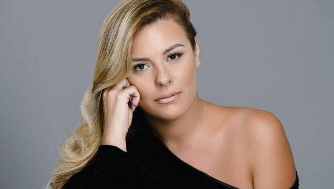 Anxhela  Peristeri, fitoi çmimin e këngës së vitit, dhuron të ardhurat për të prekurit nga tërmeti