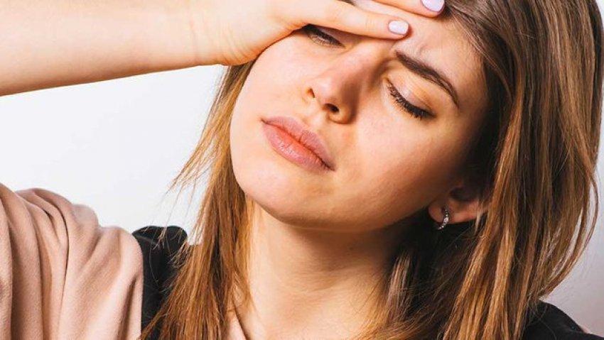 Çfarë nuk duhet të konsumosh nëse je i/e stresuar?