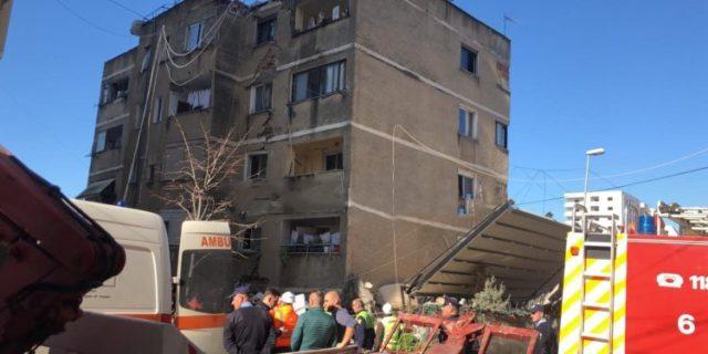 DOSJA HETIMORE/ Vdiqën dy gra, pronari i lokalit hoqi muret e pallatit 6-katësh