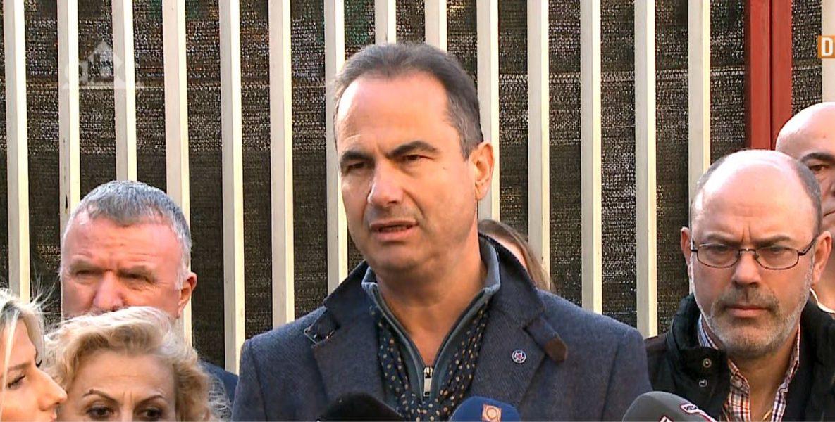 PD denoncon mbylljen e shkollave: Krim korruptiv që po përpiqet të fshihet