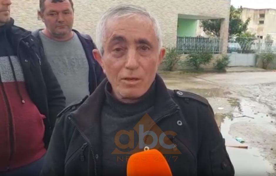 VIDEO/ Shembet shkolla në Darzezë të Fierit, prindërit protestojnë: Nuk u dëmtua nga termeti