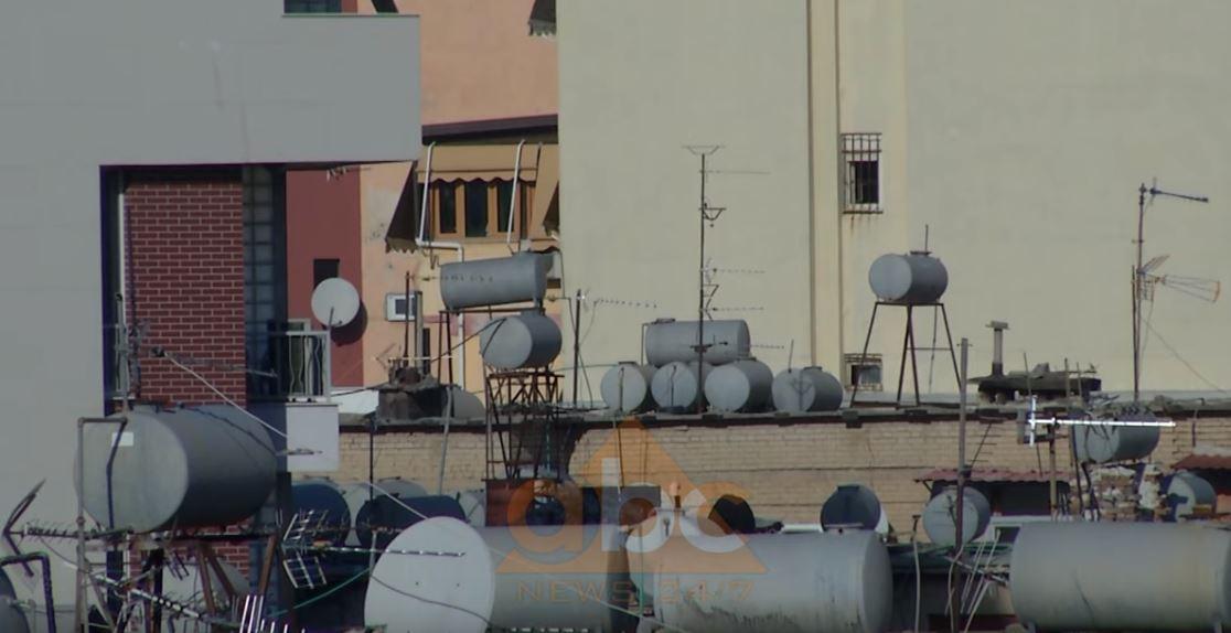 Heqja e depozitave të ujit, qytetarët pro vendimit por duan ujë 24 orë