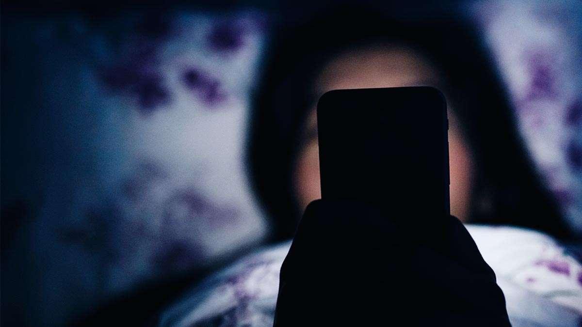 dont-look-at-phone-before-sleep.jpg