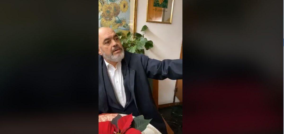 """""""15 milionshi i parë më duket goxha mirë"""", Rama dialog me Fugën në kafenetë e Romës"""