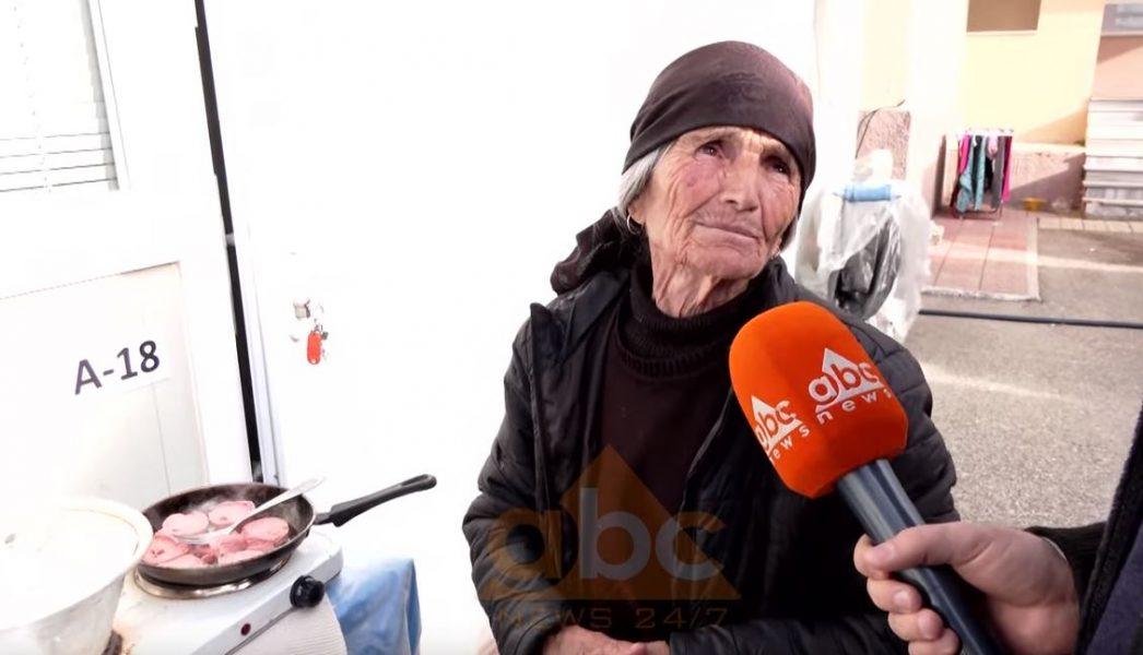Humbi shtëpinë nga tërmeti, 87- vjeçarja e braktisur: Ushqimet i blej vetë
