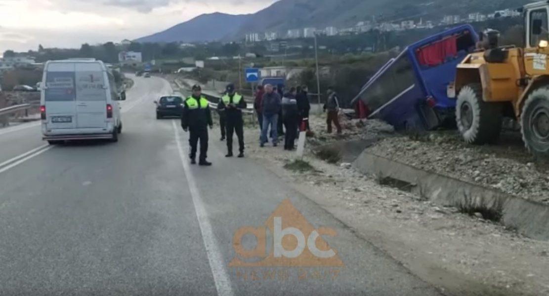 Autobusi i linjës Tiranë – Athinë përfundon në kanal, ka të lënduar