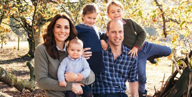 Kate dhe William sjellin kartolinën më të bukur të festave të fundvitit
