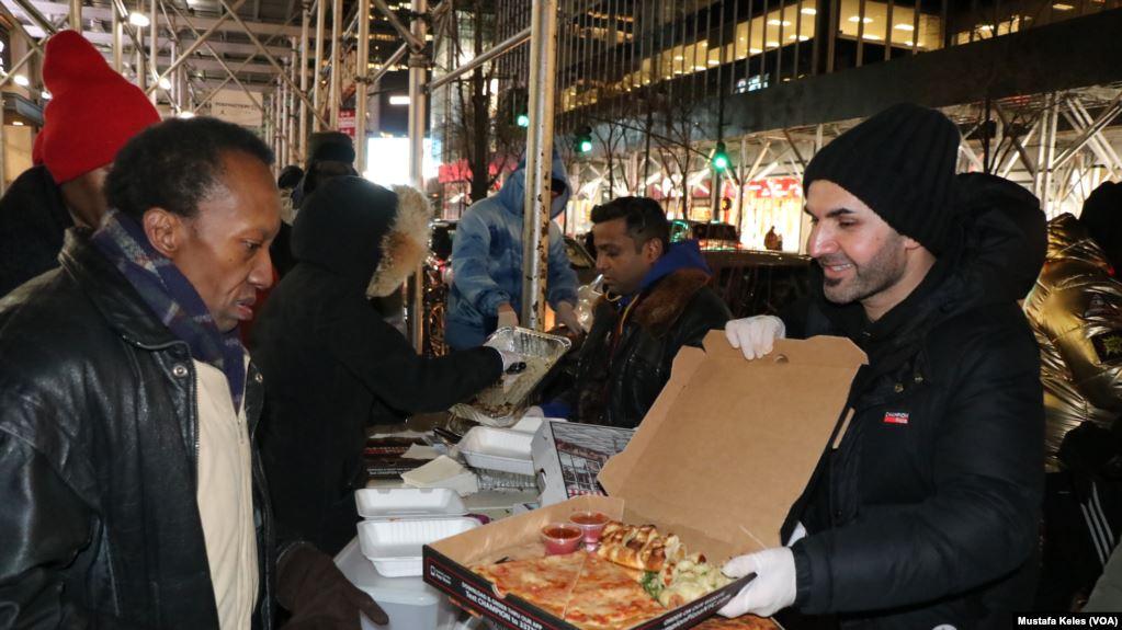 Nga i pastrehë në milioner, historia e një emigranti që sot është mbret i picave