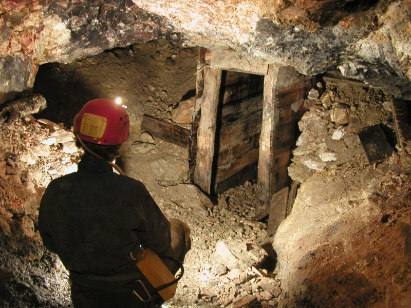 Aksidentohet minatori në Bulqizë, Sindikata: Kompania i kishte ndryshuar vendin e punës