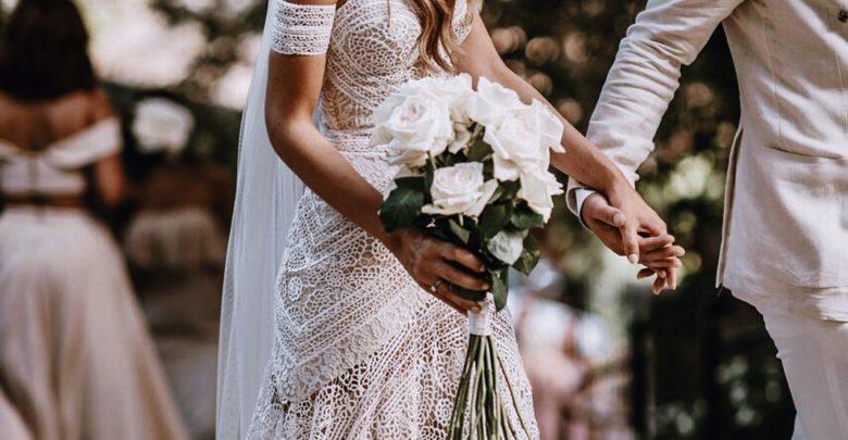 Studimi : Çiftet që shpenzojnë më pak në dasmat e tyre kanë më shumë gjasa të qëndrojnë së bashku