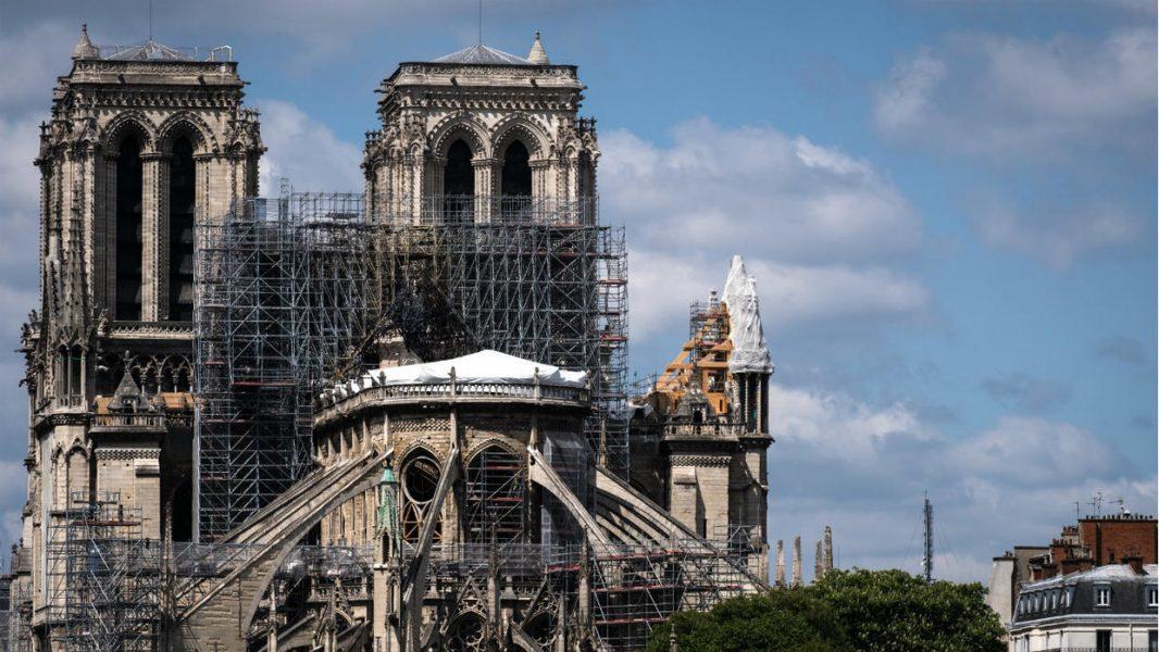 Mesha e Krishtlindjeve anulohet në Notre Dame, hera a parë që nga viti 1803