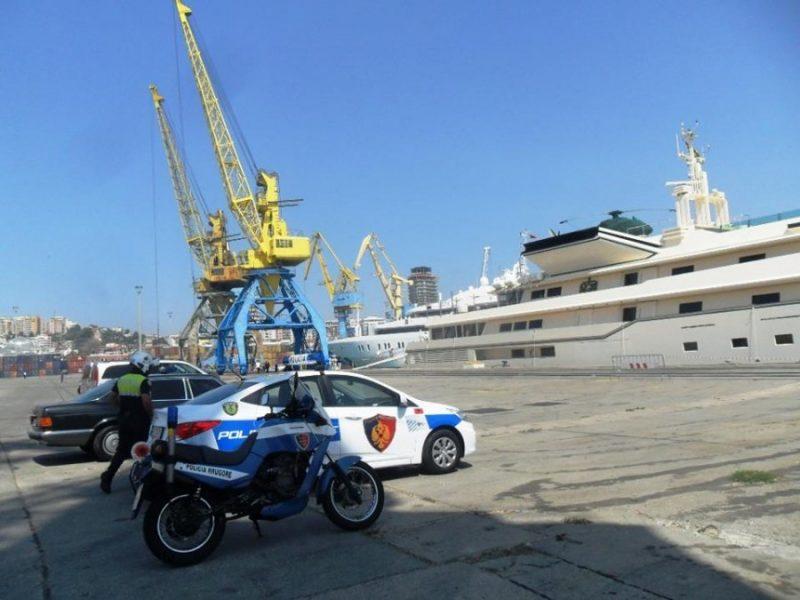 Zbulohet skema kriminale në portin e Durrësit: Arrestohen 2 persona, procedohet polici