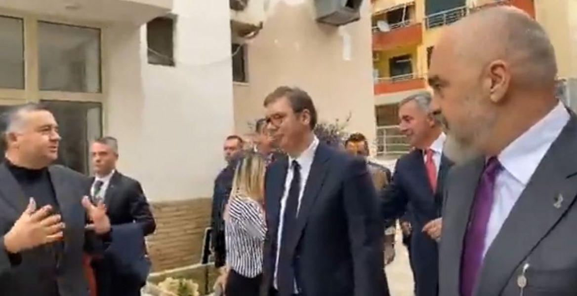 Vuçiç, Zaevdhe Gjukanoviç në Durrës, Rama i njeh liderët me dëmet e tërmetit
