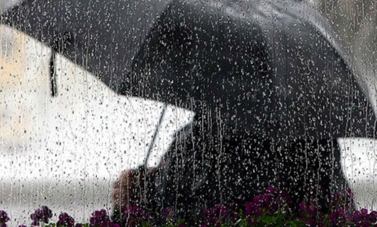 Mëngjesi nis me reshje, mësoni si pritet të jetë moti sot
