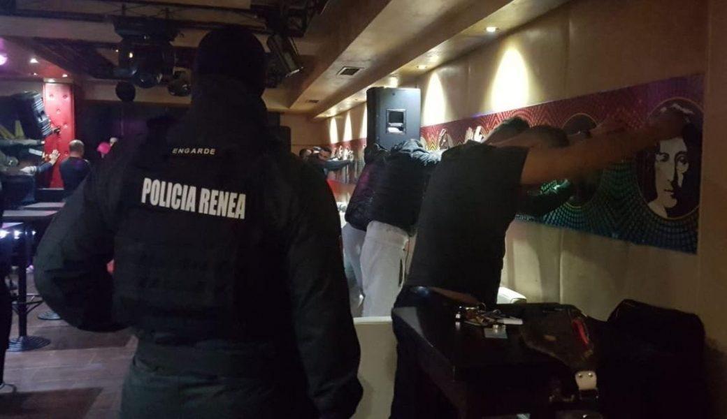 Aksioni i policisë në Shkodër: Arrestohen 2 menaxherët dhe këngëtari i një lokali nate